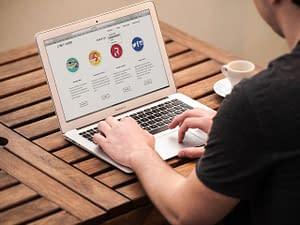 web-macbook-air-apple-graphics